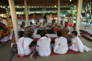 Vedische Yajna