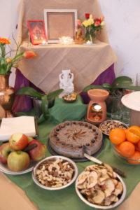 Bhavani: Geburtstagsaltar Bhavani