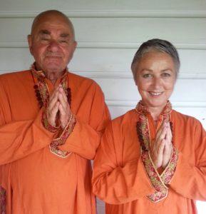Bild: Rishi Nityabodh und Rishi Yoga Diwali